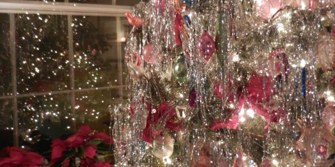 Do you put tinsel on your Christmas tree? Wanna know how that ...